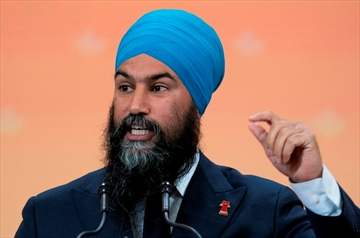 NDP Leader Jagmeet Singh addresses the Canadian Union of Public Employees convention in Montreal, on Wednesday, October 9, 2019. As the federal party leaders prepare for the final debate of the election ahead of the last week of the campaign, many eyes are on Singh, who has emerged as something of a dark horse in recent weeks, with many pundits and voters declaring him the upstart winner one or both of the two previous debates. THE CANADIAN PRESS/Paul Chiasson