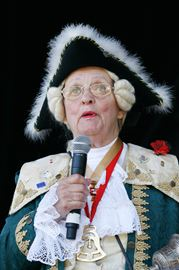 Former Oakville Town Crier Betty Kading dies at 79