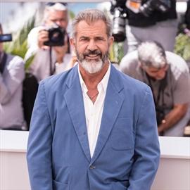 Mel Gibson celebrates Oscar nomination with newborn son-Image1