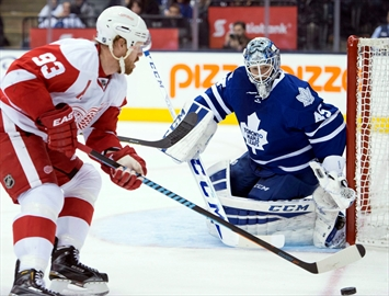 Bozak scored two as Leafs down Red Wings-Image1