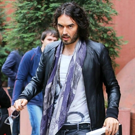 Russell Brand not worried by nude photo hack-Image1