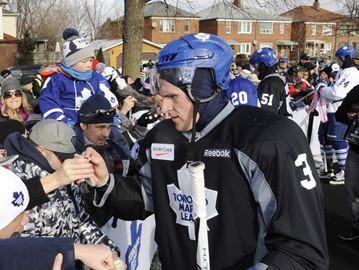 Leafs trade captain Dion Phaneuf to the Ottawa Senators