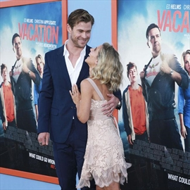 Chris Hemsworth's daughter hates his Thor costume-Image1