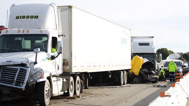 3 dead in Hwy. 401 crash in Whitby