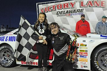 #44, Matt Robblee took the checkered flag in the opening night Super Stock feature at Delaware Speedway on Friday (May 17).