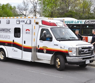 Pedestrian struck at busy south Ottawa intersection– Image 1