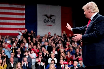 Trump returns to campaign trail in Louisiana and Michigan-Image2