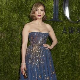 Jennifer Lopez to host AMAs-Image1