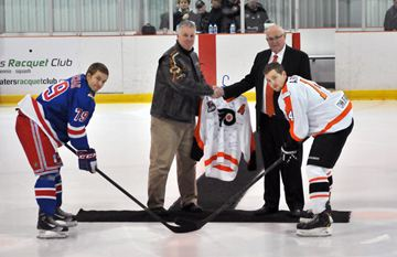 The Oakville Blades edged the Orangeville Flyers 5-4 on Saturday (Dec. 7) at the Alder Street recreation centre.