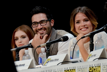 MTV's 'Teen Wolf' cast delights fans at Comic-Con-Image1