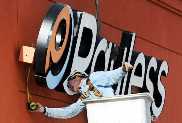 Payless To Close 248 Canadian Stores Saying Its Ill Equipped For