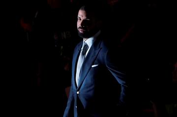 Drake met with 'mentor,' Michael Jordan-Image1