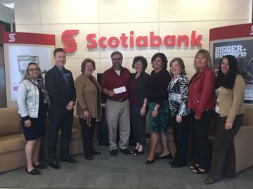 Collingwood's Scotiabank supports food bank