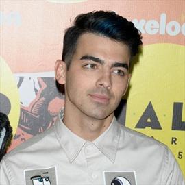 Joe Jonas' 'tough' pals-Image1