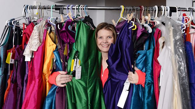 6201f820bbb Clarington mom collects prom wear to loan to students