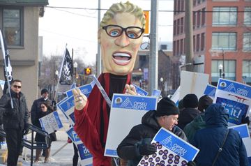 OPSEU picket