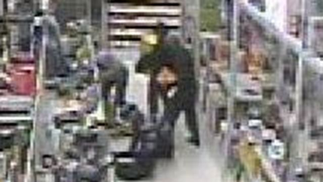 Landscaping Ties Rona : Police still looking for four suspects behind oakville rona break in