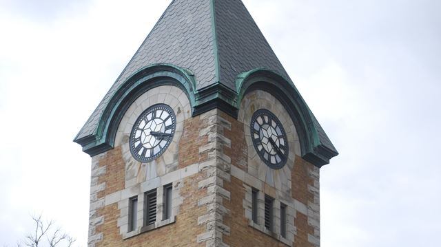 Dundas post office clock tower