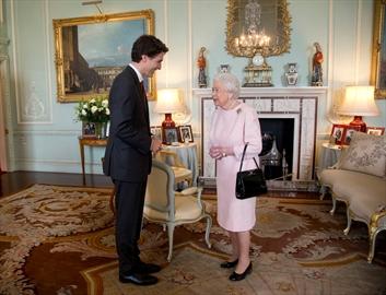 Trudeau meets Queen in London-Image1