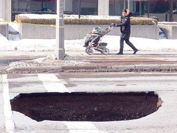 Sink hole in downtown Oshawa