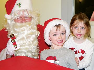 Santa makes annual visit to Penetanguishene museum