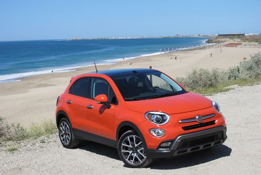 First drive fiat 500x compact cuv italian style for Garage fiat flers