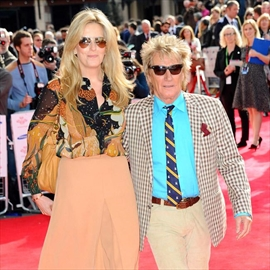 Rod Stewart banned from tight trousers-Image1