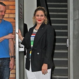 Drew Barrymore working hard to lose weight-Image1