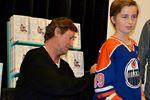 Wayne Gretzky signing