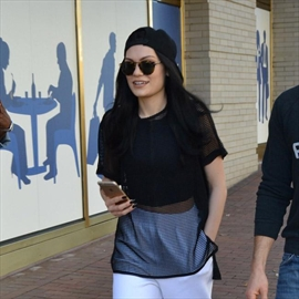 Jessie J wants a baby-Image1