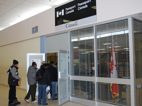 Whitby office packed with passport seekers | DurhamRegion com
