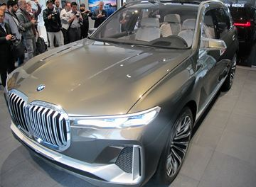 Now on display inside the BMW Luxury Excellence Pavilion located in the Arnell Plaza at the Bay Adelaide Centre in downtown Toronto is the Concept X7 iPerformance full-size SUV that debuted at the recent Frankfurt Motor Show.