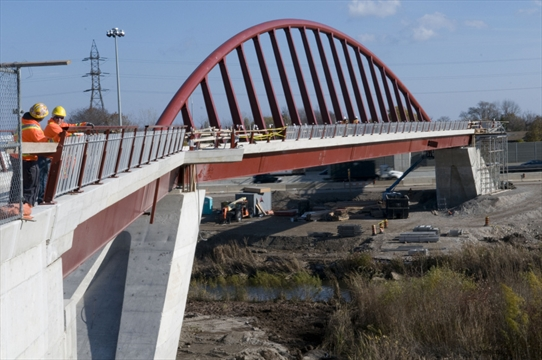 Qew Walkway Provides Missing Link Between City S