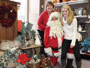 Meaford to celebrate 25th Christmas Window Unveiling