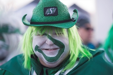 Fans trash talk as excitement builds for Grey Cup-Image1