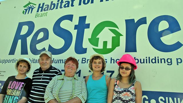 New Habitat for Humanity Brant partner family