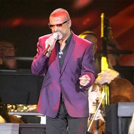 George Michael fans at loggerheads with Snappy Snaps-Image1