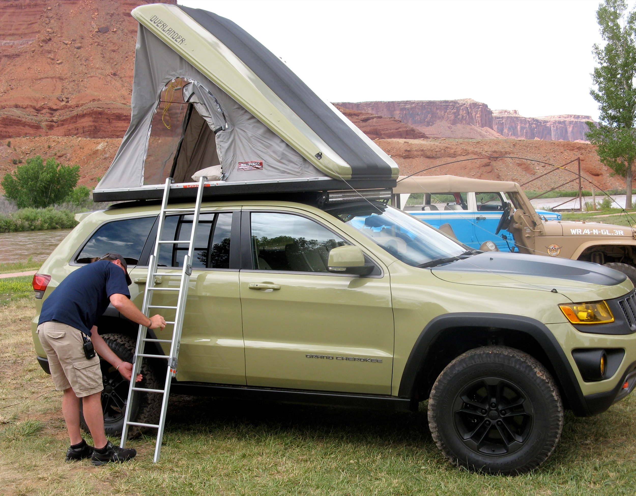 Jeep Grand Cherokee Tow Hooks ... pushes the Grand Cherokee's already considerable credentials
