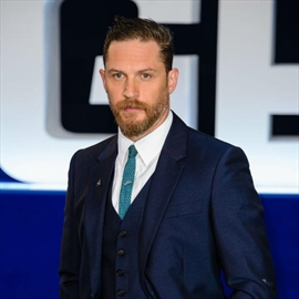 Tom Hardy 'didn't even think' about sexuality-Image1