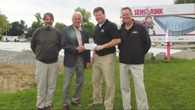 Sens RINK receives boost from mayor's golf tourney– Image 1
