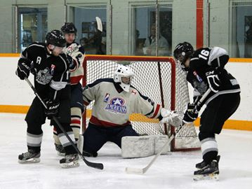 Knights of Meaford edged by Orangeville
