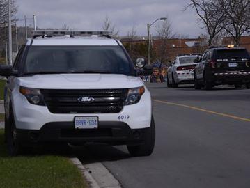 Halton police looking for one suspect after Oakville residents surprise intruder