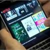 Review: BlackBerry Passport targets corporate buyers