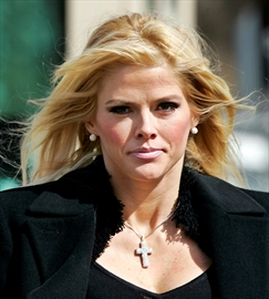 Anna Nicole Smith's estate loses bid for millions-Image1