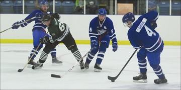 Perth Blue Wings in exhibition action; home opener Friday vs Renfrew– Image 1