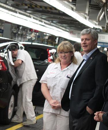 Prime Minister tours Honda Canada in Alliston