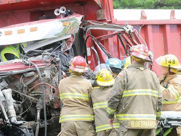 Two truck crash