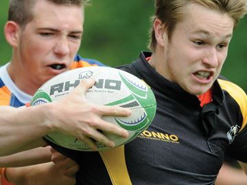 Collingwood defeats Barrie's Innisdale in junior boys rugby action