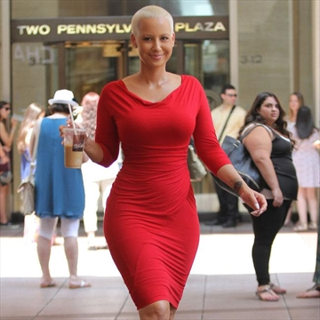 Amber Rose s Image Used To Lure Girls Into Prostitution