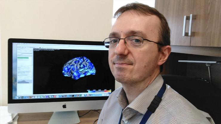 Dr. Luciano Minuzzi